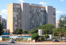 Hospital de Base seleciona 708 servidores